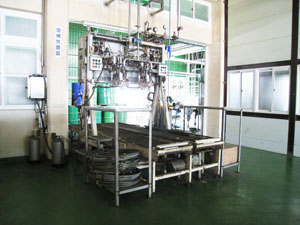 Aseptic cold filling machine